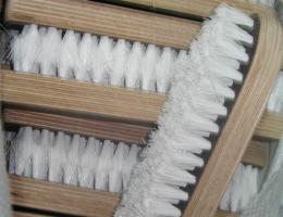 Щетка с синтетическим ворсом для мытья бочек 220 мм